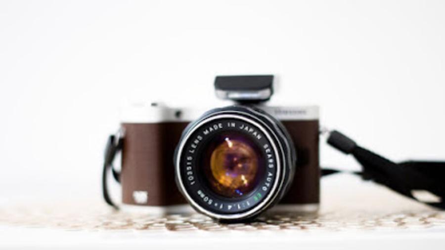 Camera, the most annoying social media travel photography trends adiseesworld travel blogger