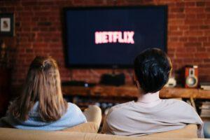 """המלצות לסדרות טלויזיה שהעלילה שלהן מתרחשת בחו""""ל"""